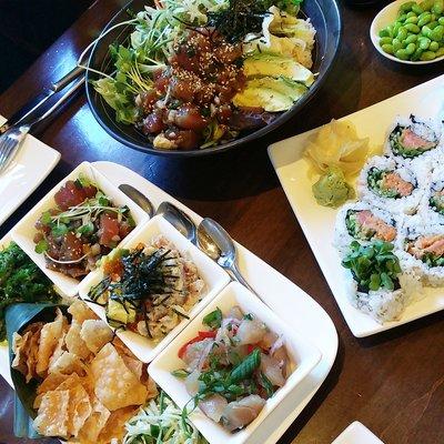 Trio hawaiian poke, Japanese rice bowl and spicy tuna